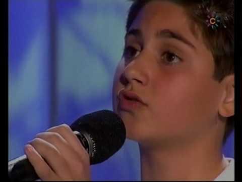 Tony Mateo 11 años  Vivo por ella  Menuda Noche