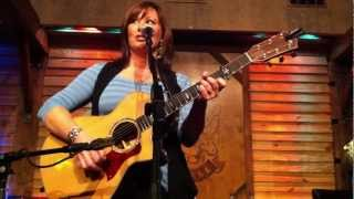 Watch Suzy Bogguss Eat At Joes video