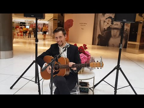 VLOG - Who Is This Singer At Westfield Newmarket, Auckland Level 1 ?