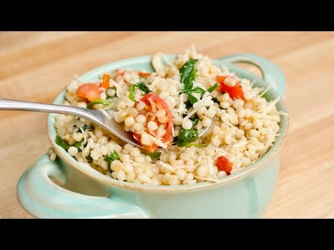 Cheesy & Garlicky One-Pot Ptitim (Israeli Couscous) Recipe