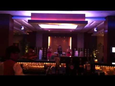 Wuhan lounge singers