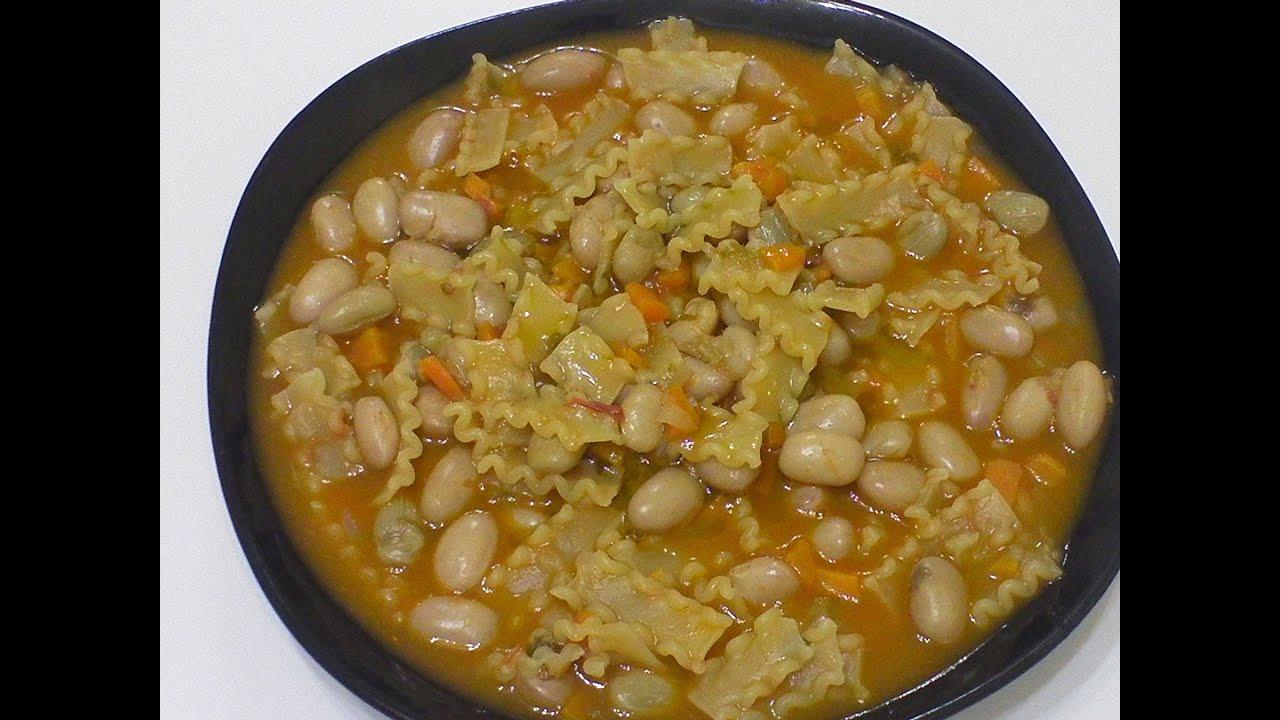 pasta e fagioli freschi cucinare con prezzemolino