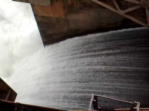 Usina Hidrelétrica de Ilha Solteira: VERTEDOR em funcionamento