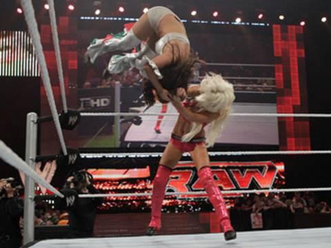 Raw: Nikki Bella va. Maryse