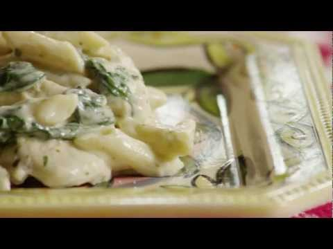 How to Make Pesto Chicken Florentine