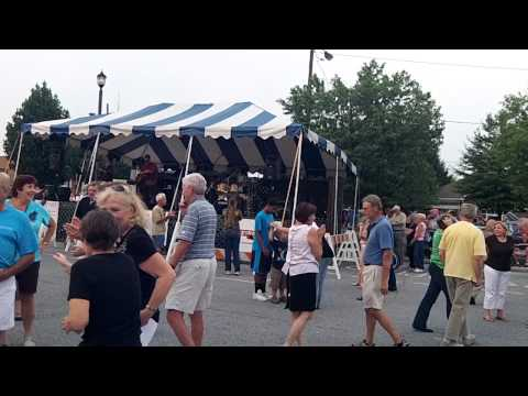 Tuxedo Junction - Music On Main in Hendersonville
