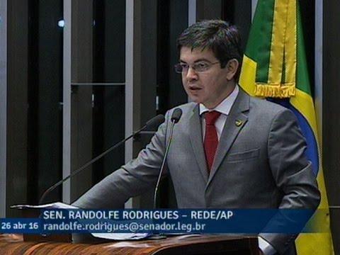 Randolfe Rodrigues vê resistência de Michel Temer à antecipação das eleições presidenciais