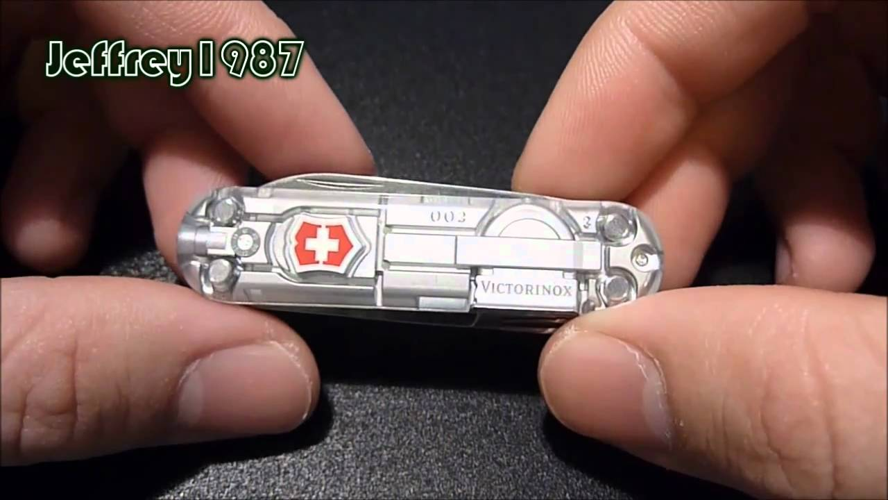 Unboxing Victorinox Swiss Army Knife Signature Lite