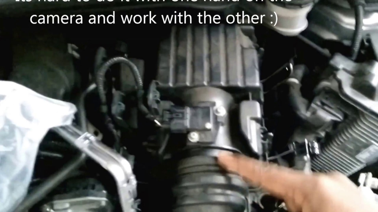 2015 2016 honda fit engine air filter change how to video [ 1280 x 720 Pixel ]