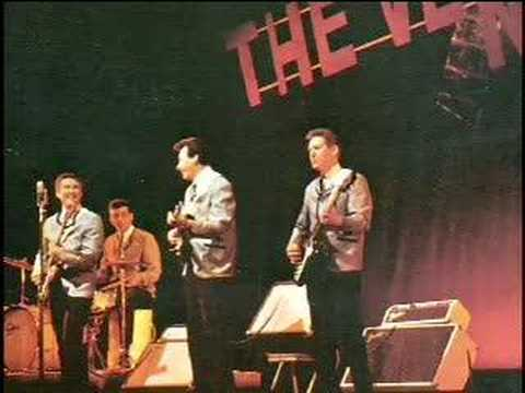 The Ventures Live 1965 - Medley - YouTube