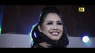 Download lagu Ely Sugigi Ft. Irfan Sbaztian - Posting | Official Music Video MP3