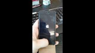 iphone 5 полосы по экрану и перезагрузка(, 2013-04-10T02:57:49.000Z)