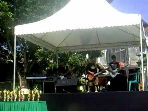 Heavy Rotation JKT 48 (cover) live