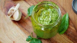 Зеленый соус в смузи-блендере