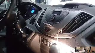 Замена салонного фильтра Форд Tranzit 2014 года