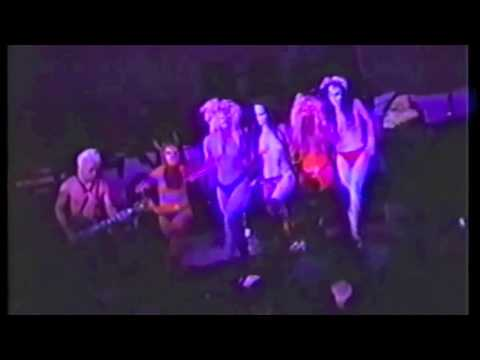 "Voluptuous Horror of Karen Black'""Gotta Get My Eyes Done"" video"