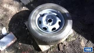 Пескострую колесные диски, потом крашу цинкосодержащим грунтом.