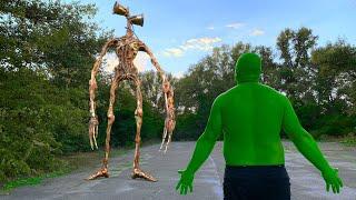 Hulk VS Siren Head