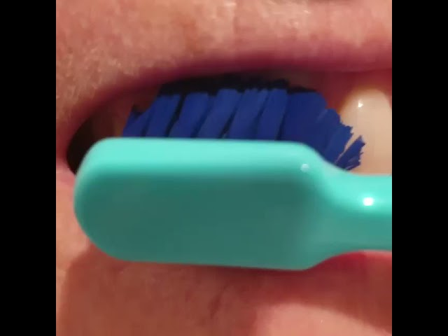 How to know your teeth are clean - feel the clean! Read description:)