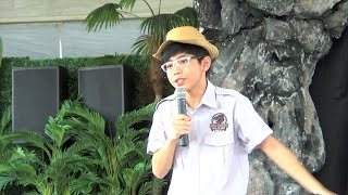 Lion Chong 张宝权 as a host in Dinosaur show