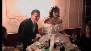 Свадьба, за столом, горько!