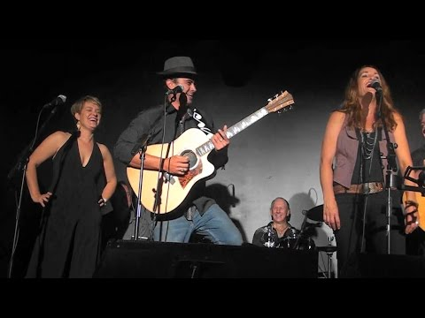 Amos Morris, Sandra Humphries & Amber Joy Poulton - Love Hurts