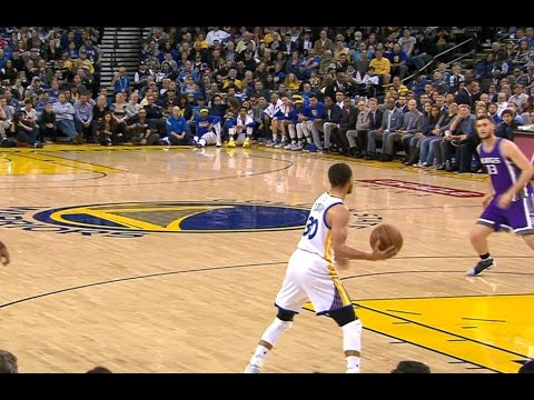 Curry TD Pass Leads to Iggy Behind-the-Back Reverse Lay-Up   March 24, 2017