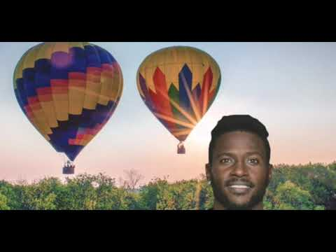 antonio-brown-arrives-to-camp.in-hot-air-balloon