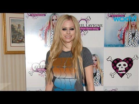 Avril Lavigne Announced New Album In 2017