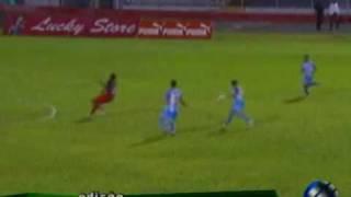 Repeat youtube video Brunswijk maakt Surinaams voetbal te schande