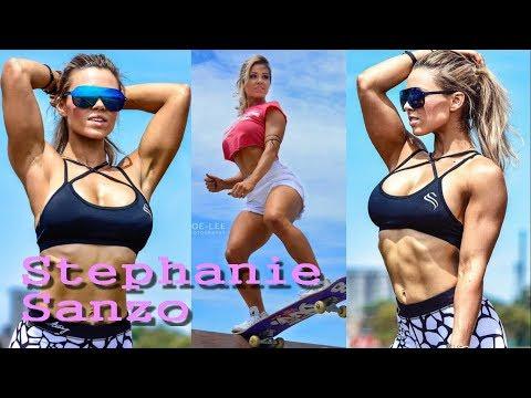 "Stephanie Sanzo very hot Australian Fitness Model | ""fit mum lift hard"""