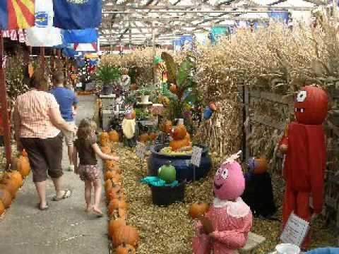 Roberts farms hay maze, corn maze, pumpkin patch home | facebook.