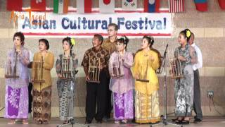 Indonesian Angklung Song - Asian Cultural Festival 2012