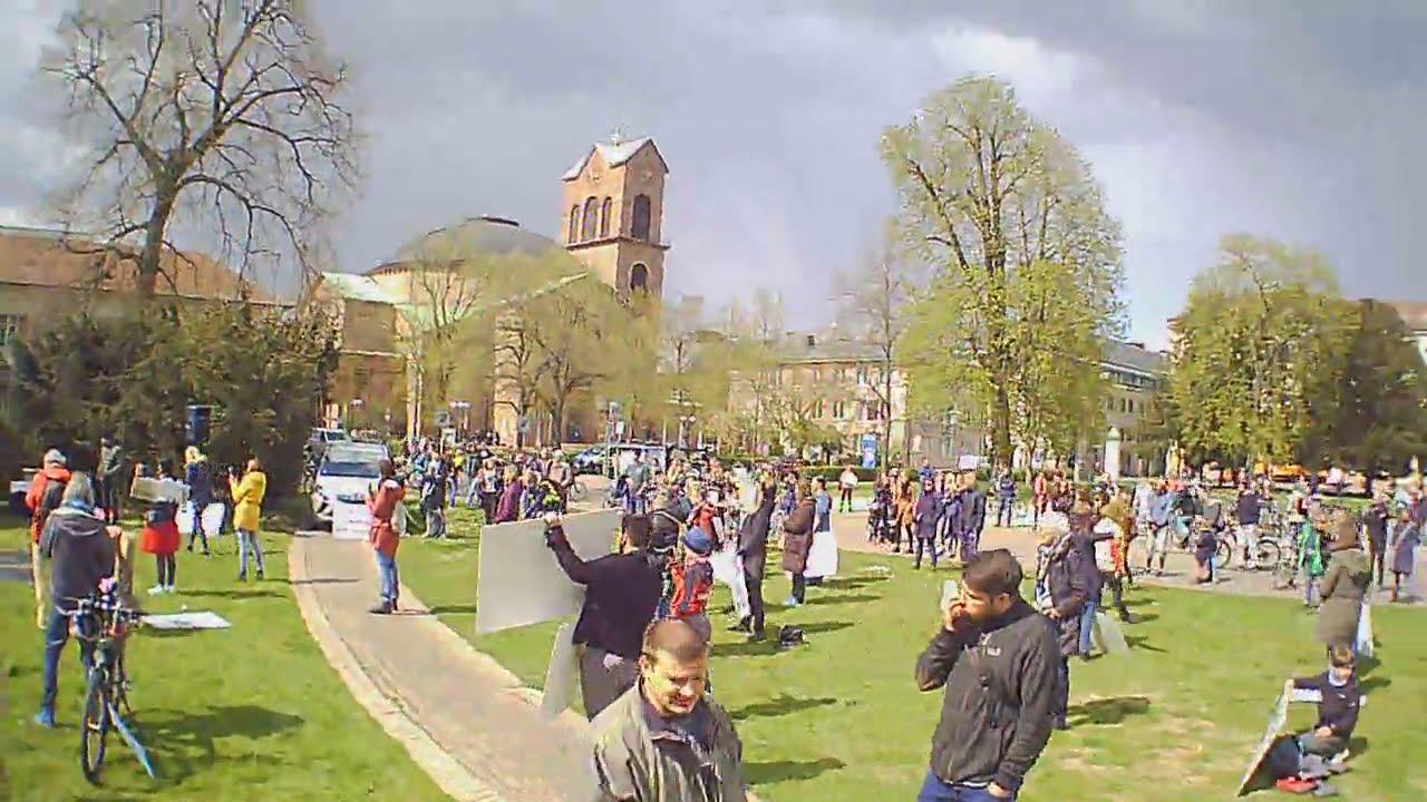Demo Karlsruhe Friedrichsplatz (Schulamt) Karlsruhe Donnerstag 15.4.21 Start 14:30