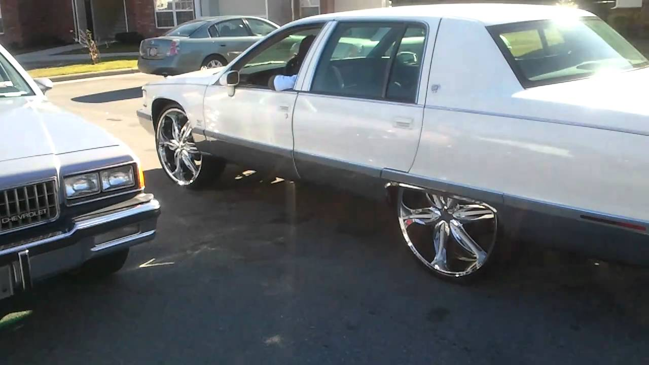 View 95 Cadillac Fleetwood On 26S