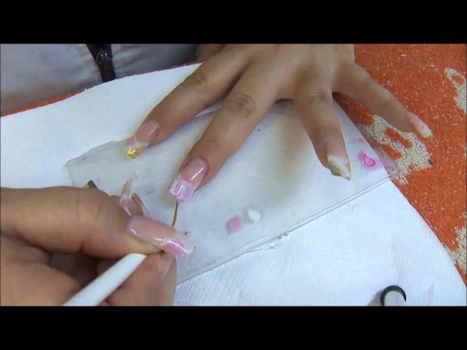 mini tutorial uña en acrilico decorada con esmalte en gel - YouTube