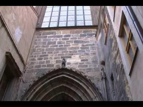 PR Entrance to Tyn Church