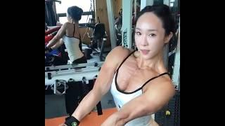 An Da Jeong Intense Pecs Pumping And Flexing