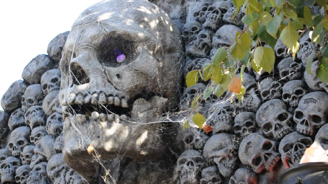 my gigantic halloween animatronic talking skull creation - Talking Skull Halloween