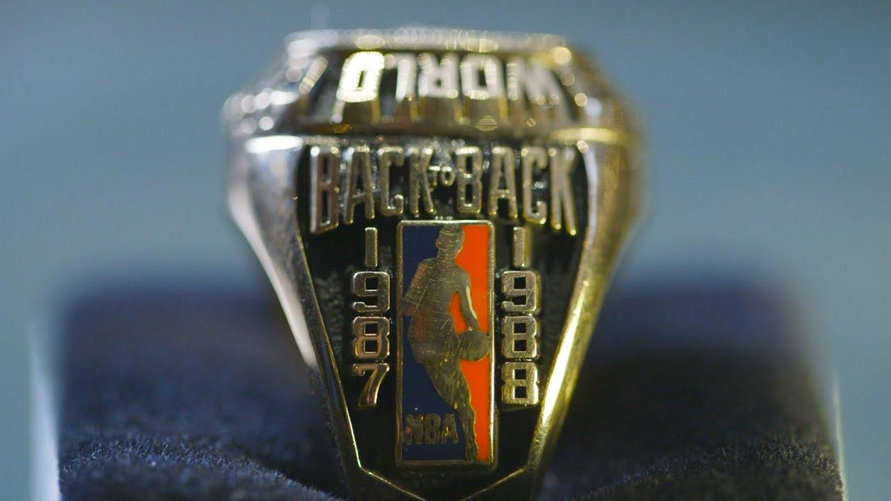 Auction 1988 Kareem Abdul Jabbar Los Angeles Lakers Nba Championship Ring Youtube