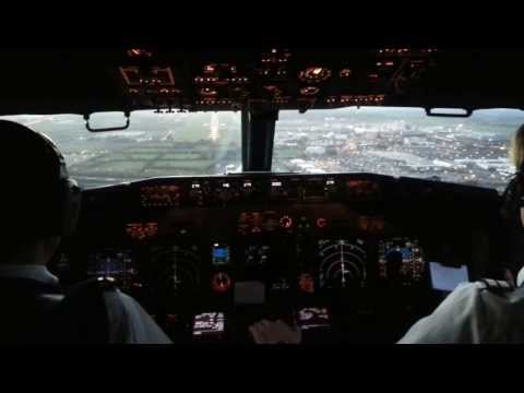 Boeing 737-800 Landing in Dublin. Cockpit view.