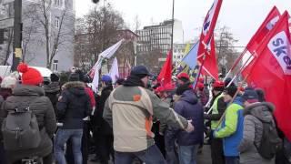 Prvič v zgodovini samostojne Slovenije vojaki številčni na protestih skupaj s kolegi