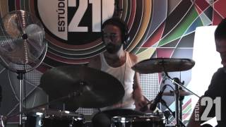 Estúdio 21 | Live Session #1 - Divided by Three