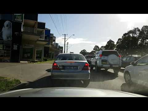 Mercedes C180 , number plate NXE91A, stop lane weaving, you just cut off the Toyota Prado