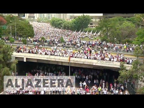 Venezuelan opposition renews protests against Maduro