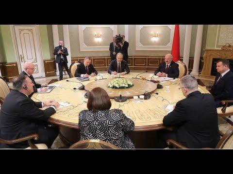 Александр Лукашенко принимает