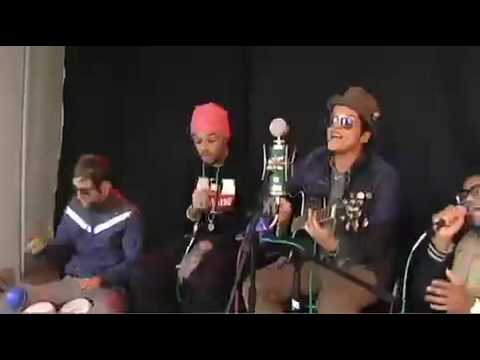 Travie McCoy, Bruno Mars Unplug at SPIN Office   Spin Magazine Online.mp4