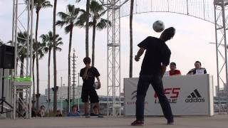 YOSUKE vs TOKURA - Freestyle Football WFSLeague Japan Final 2011 TOP 8