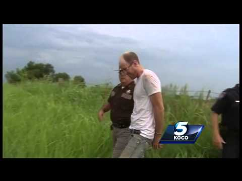 Okla. suspect attempts to escape bondsman