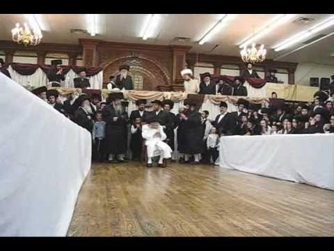 "Hrh""k M'Tosh Shlita Feering Tish on Purim"